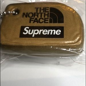 Supreme The North Face Gold Floating Key Chain